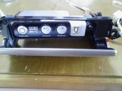 USBコネクタとテスト用スイッチ